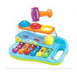 ksilofon s kroglicami in kladivom